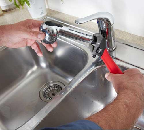 Reparación de grifería, fontanero en Madrid